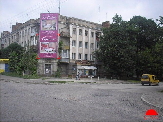 Брандмауэр №117951 в городе Каменец-Подольский (Хмельницкая область), размещение наружной рекламы, IDMedia-аренда по самым низким ценам!