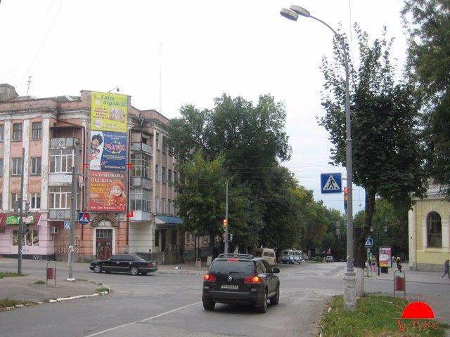 Брандмауэр №117953 в городе Каменец-Подольский (Хмельницкая область), размещение наружной рекламы, IDMedia-аренда по самым низким ценам!