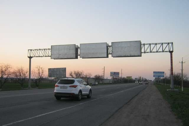 Арка №127215 в городе Одесса (Одесская область), размещение наружной рекламы, IDMedia-аренда по самым низким ценам!