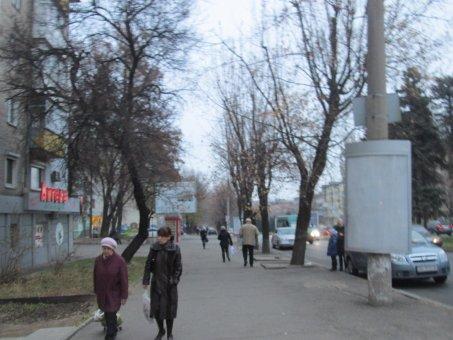 Тумба №148951 в городе Днепр (Днепропетровская область), размещение наружной рекламы, IDMedia-аренда по самым низким ценам!