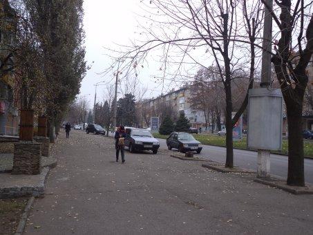 Тумба №148963 в городе Днепр (Днепропетровская область), размещение наружной рекламы, IDMedia-аренда по самым низким ценам!