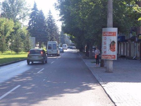Тумба №148966 в городе Днепр (Днепропетровская область), размещение наружной рекламы, IDMedia-аренда по самым низким ценам!