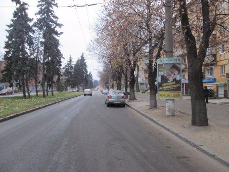 Тумба №148968 в городе Днепр (Днепропетровская область), размещение наружной рекламы, IDMedia-аренда по самым низким ценам!