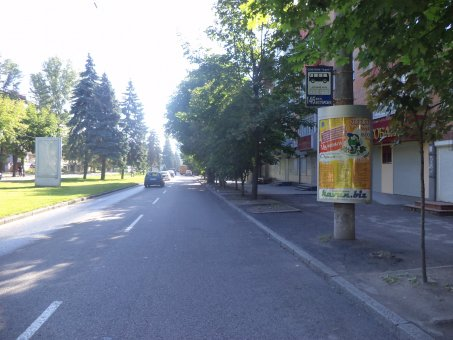 Тумба №148971 в городе Днепр (Днепропетровская область), размещение наружной рекламы, IDMedia-аренда по самым низким ценам!