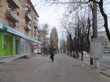 Тумба №148973 в городе Днепр (Днепропетровская область), размещение наружной рекламы, IDMedia-аренда по самым низким ценам!