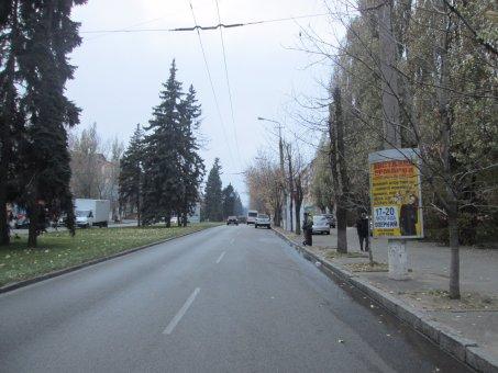 Тумба №148975 в городе Днепр (Днепропетровская область), размещение наружной рекламы, IDMedia-аренда по самым низким ценам!