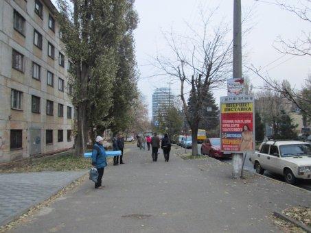 Тумба №148977 в городе Днепр (Днепропетровская область), размещение наружной рекламы, IDMedia-аренда по самым низким ценам!