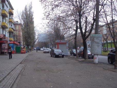 Тумба №148979 в городе Днепр (Днепропетровская область), размещение наружной рекламы, IDMedia-аренда по самым низким ценам!