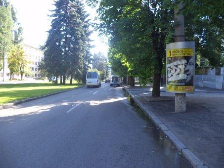 Тумба №148980 в городе Днепр (Днепропетровская область), размещение наружной рекламы, IDMedia-аренда по самым низким ценам!