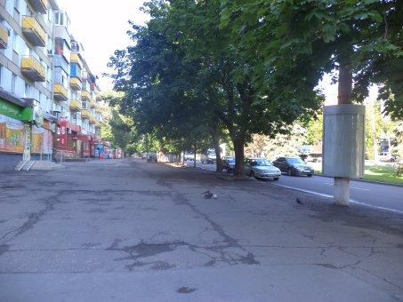 Тумба №148981 в городе Днепр (Днепропетровская область), размещение наружной рекламы, IDMedia-аренда по самым низким ценам!