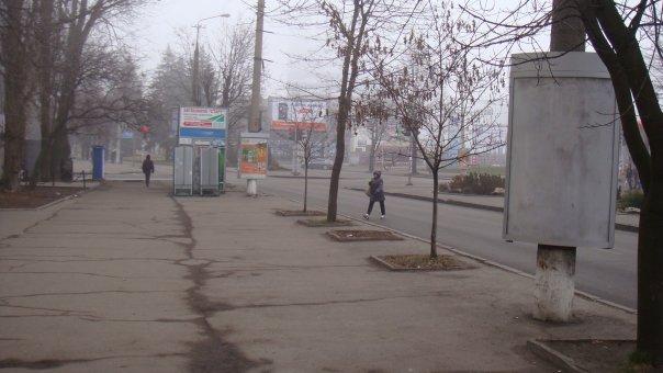 Тумба №148982 в городе Днепр (Днепропетровская область), размещение наружной рекламы, IDMedia-аренда по самым низким ценам!