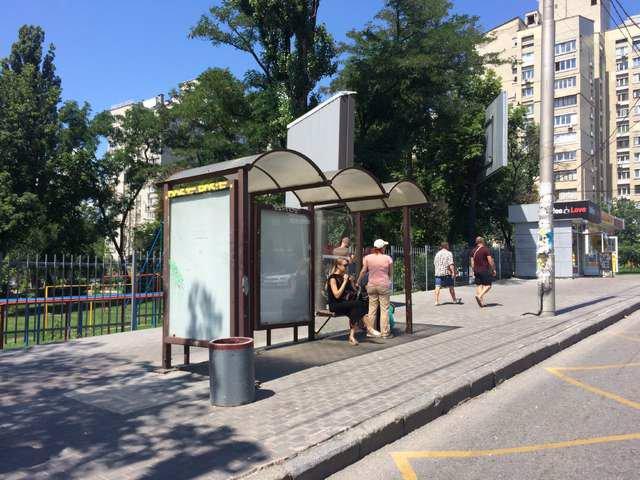 Остановка №187428 в городе Киев (Киевская область), размещение наружной рекламы, IDMedia-аренда по самым низким ценам!