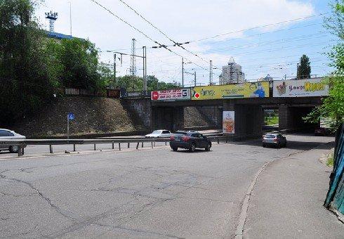 Брандмауэр №200513 в городе Киев (Киевская область), размещение наружной рекламы, IDMedia-аренда по самым низким ценам!