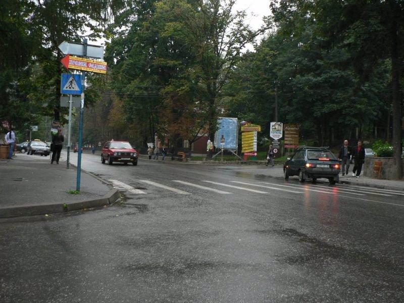 Бэклайт №219125 в городе Яремча (Ивано-Франковская область), размещение наружной рекламы, IDMedia-аренда по самым низким ценам!