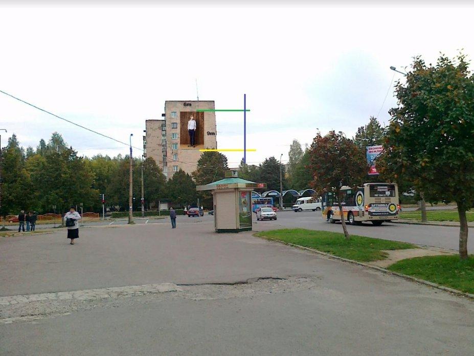 Брандмауэр №220841 в городе Луцк (Волынская область), размещение наружной рекламы, IDMedia-аренда по самым низким ценам!