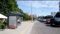 Остановка №221764 в городе Львов (Львовская область), размещение наружной рекламы, IDMedia-аренда по самым низким ценам!