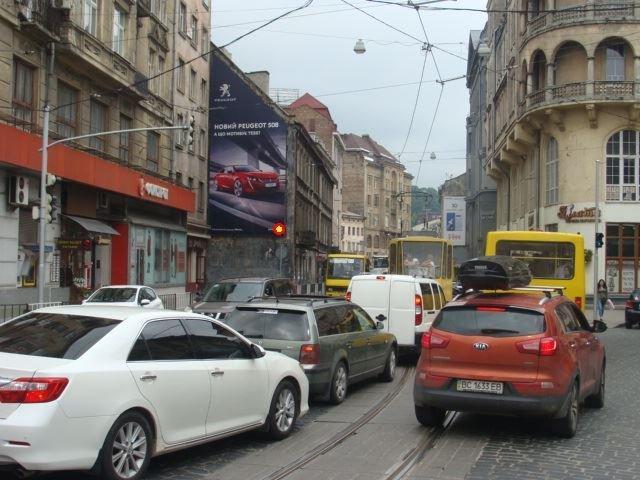 Брандмауэр №223721 в городе Львов (Львовская область), размещение наружной рекламы, IDMedia-аренда по самым низким ценам!