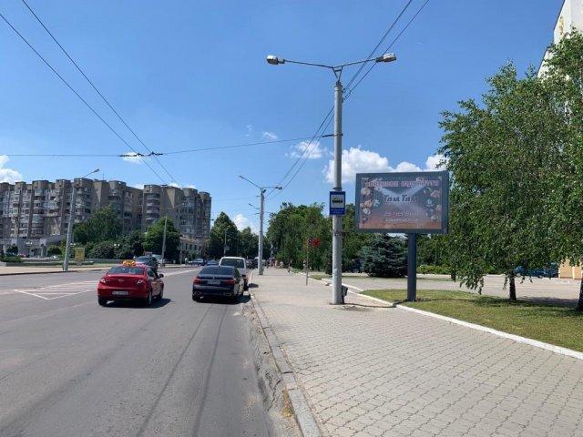 Скролл №235412 в городе Луцк (Волынская область), размещение наружной рекламы, IDMedia-аренда по самым низким ценам!