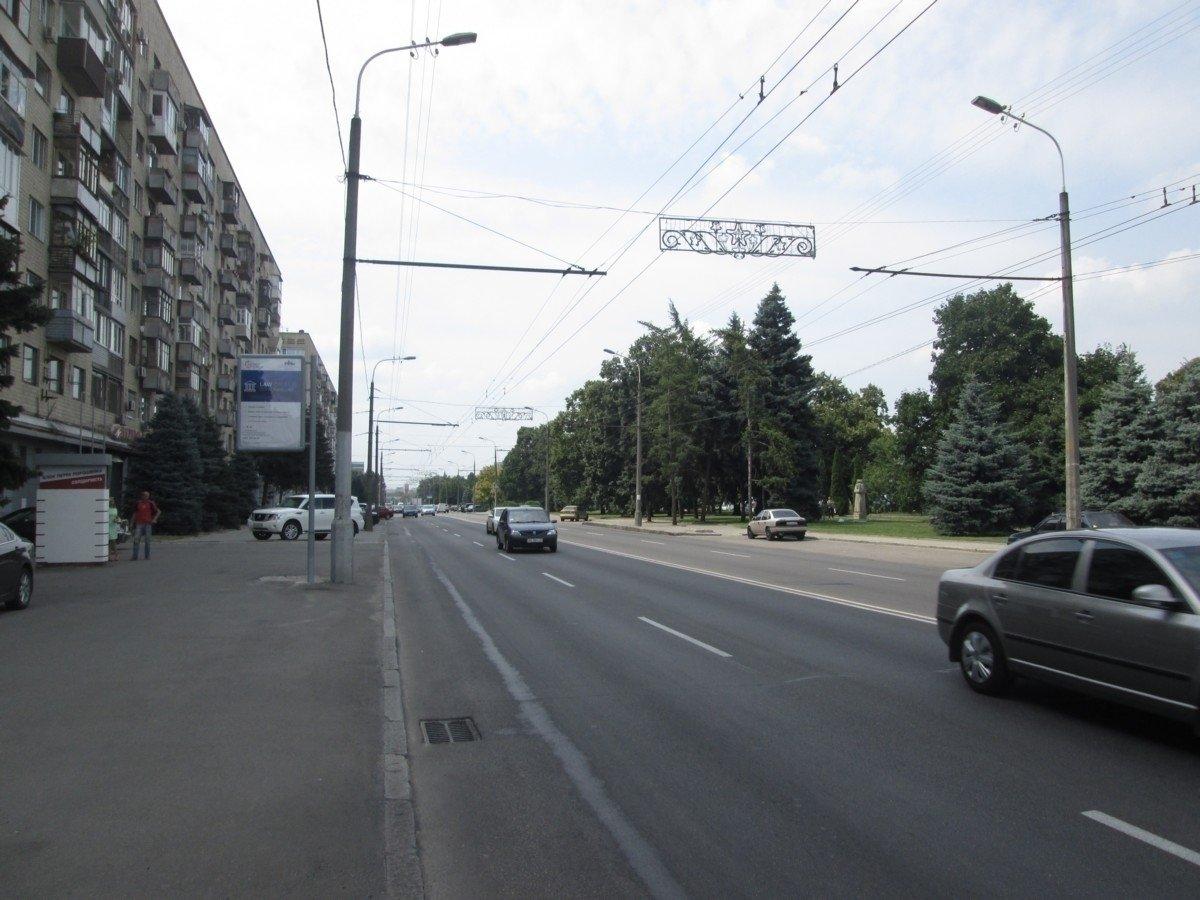 Ситилайт №240275 в городе Днепр (Днепропетровская область), размещение наружной рекламы, IDMedia-аренда по самым низким ценам!