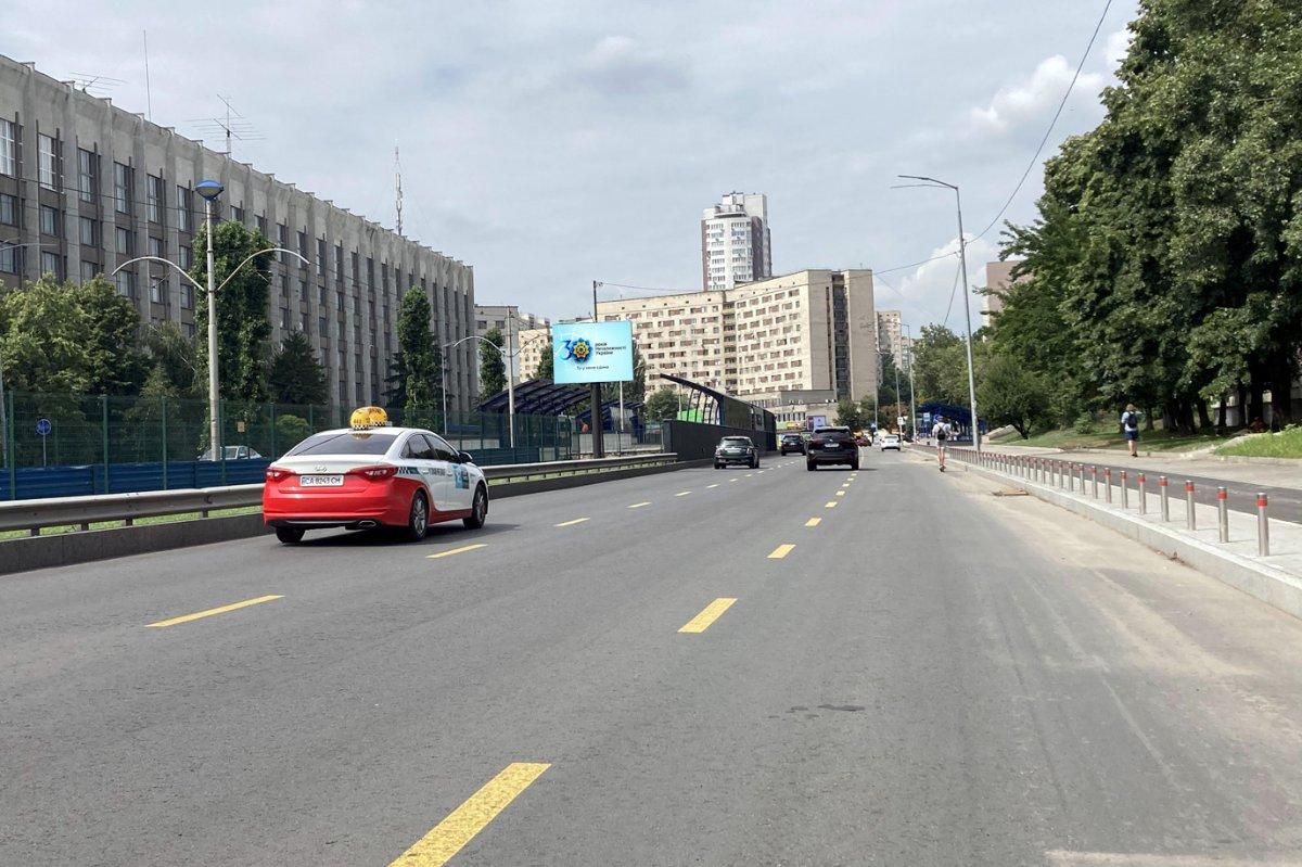 Билборд №243371 в городе Киев (Киевская область), размещение наружной рекламы, IDMedia-аренда по самым низким ценам!