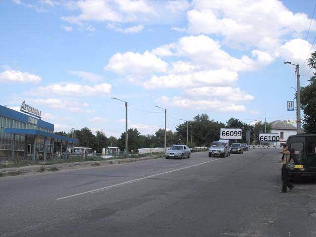 Билборд №66100 в городе Изюм (Харьковская область), размещение наружной рекламы, IDMedia-аренда по самым низким ценам!
